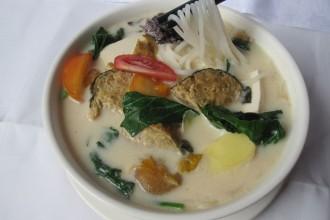 Sliced-veg-Fish-Noodle-Soup